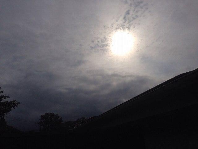 アヤしい雲行き1.jpg