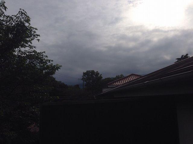 アヤしい雲行き2.jpg