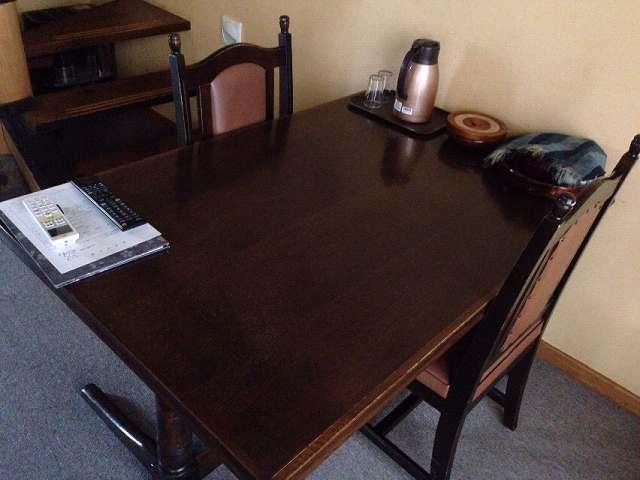 テーブル席2.jpg