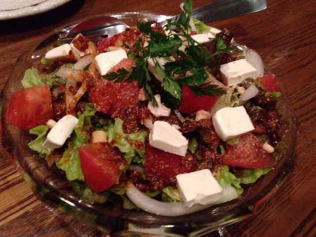 トマトとクリームチーズの島ラー油サラダ.jpg