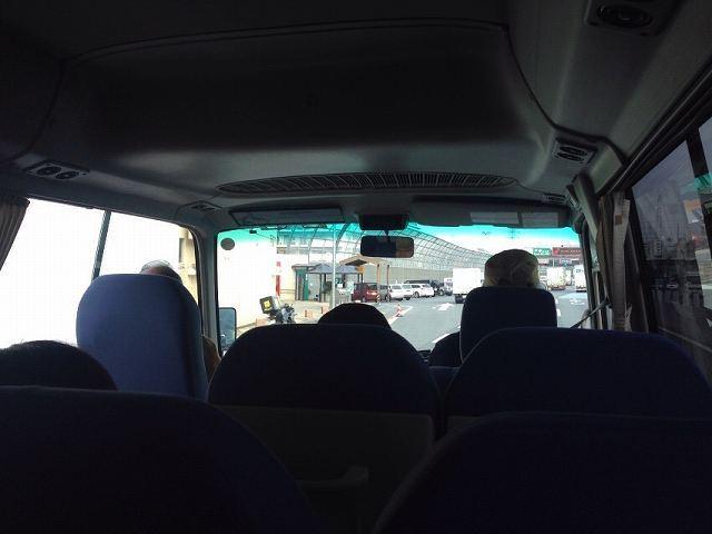 バスが行く1.jpg