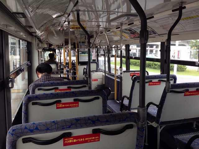バス車内1.jpg