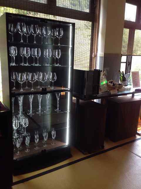 ワイングラスがたくさん.jpg