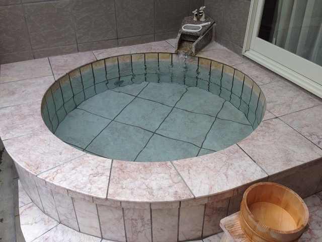 丸風呂.jpg