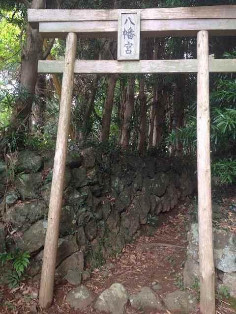 城山神社の参道.jpg