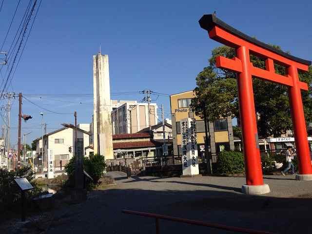 境内から大宮城・小学校を望む.jpg