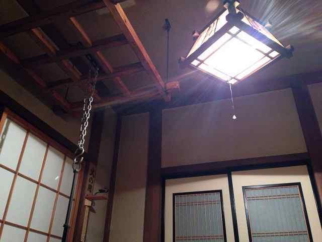変則部屋食の灯り.jpg