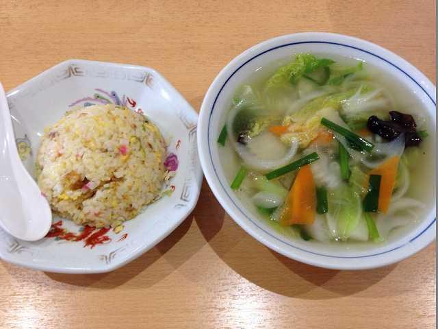 小炒飯と野菜スープ.jpg