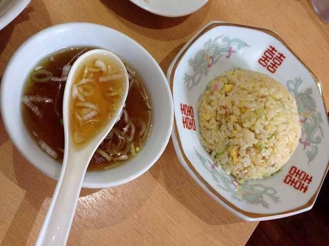 小炒飯にスープ.jpg