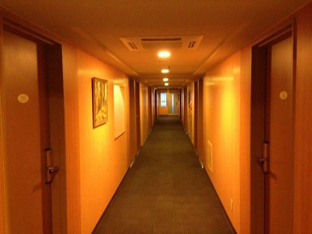 朝の廊下.jpg