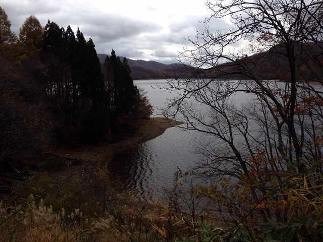 湖底に沈む.jpg