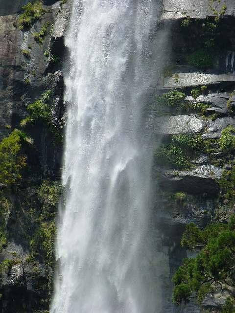 滝ズーム2.jpg