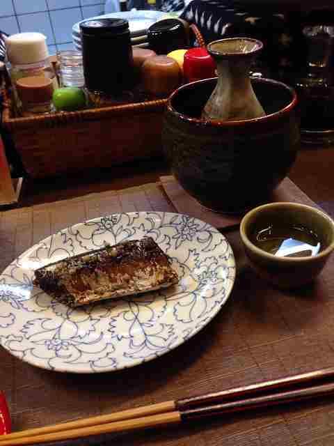 秋刀魚と熱燗.jpg