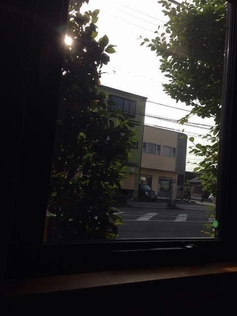 窓の外.jpg