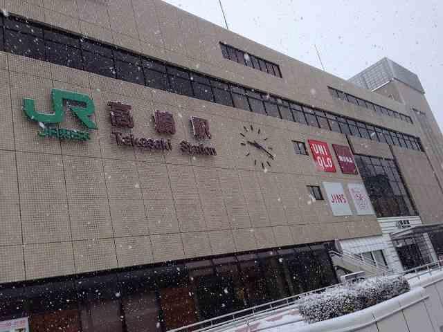 雪降る高崎駅.jpg