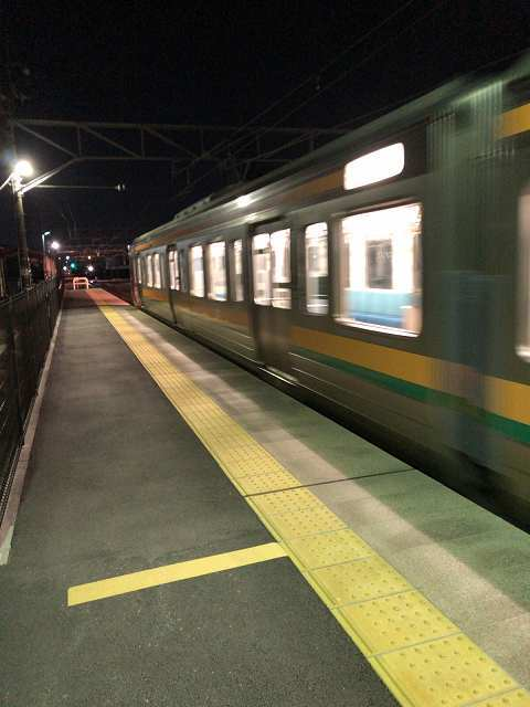 またいきなり来た上り電車.jpg