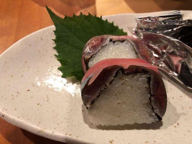 デ2和5秋刀魚寿司.jpg