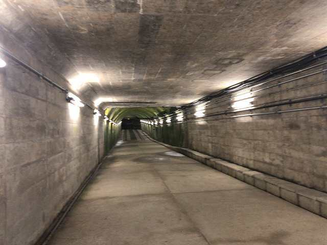 トンネル駅1.jpg