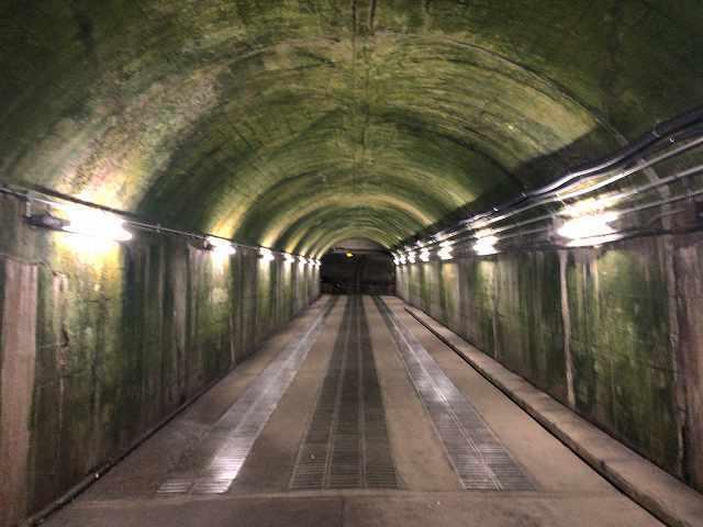 トンネル駅2.jpg