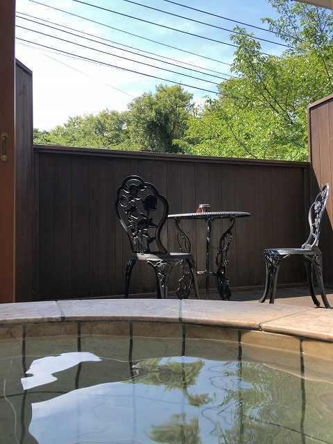 ビーンズ時代からの椅子.jpg