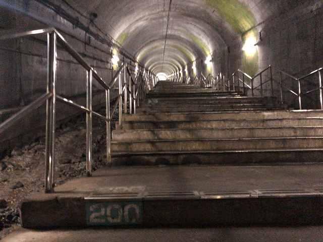 モグラ53階段200段.jpg