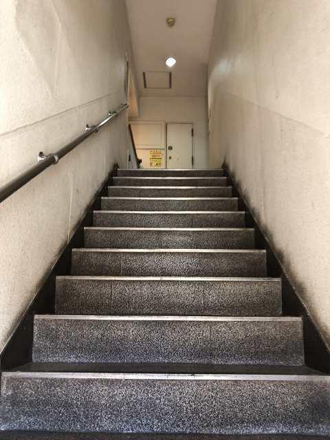ルナ階段1.jpg