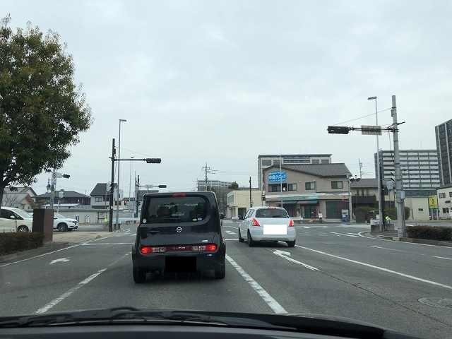 レンタカーで出発.jpg