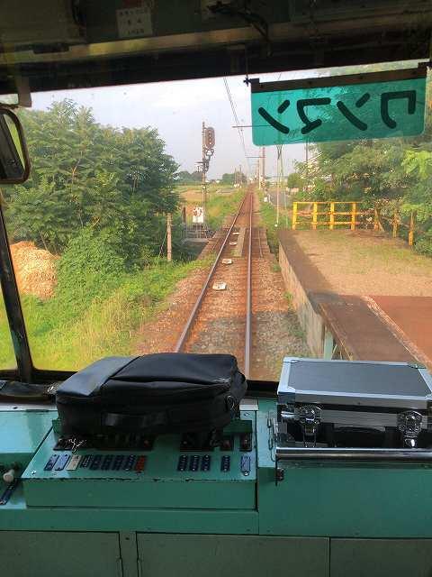 上信電鉄が三途川を渡る1.jpg