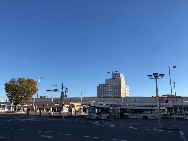前橋駅と青空.jpg