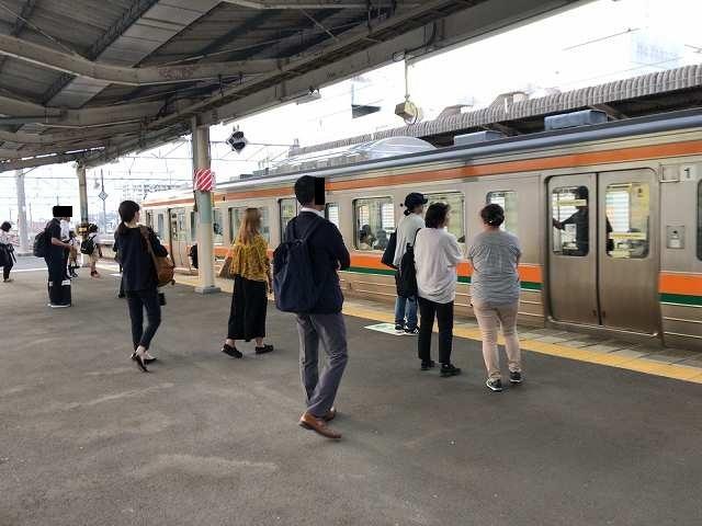 前橋駅ホームにしては長大編成.jpg