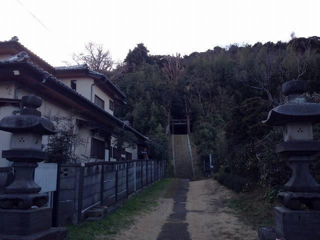 参道入り口2.jpg