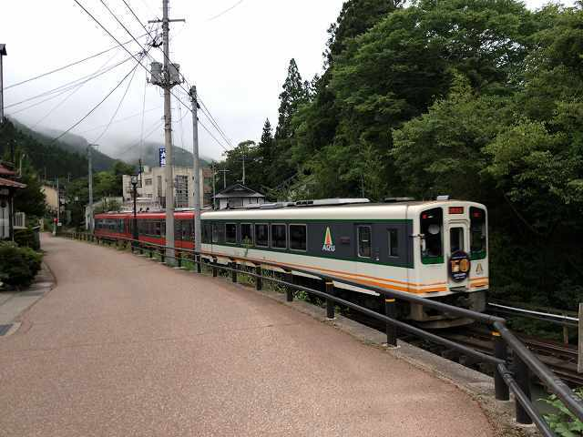 問題の鉄橋6ゆっくり渡る.jpg