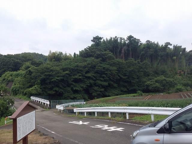 奥4解説板と城域遠望2.jpg