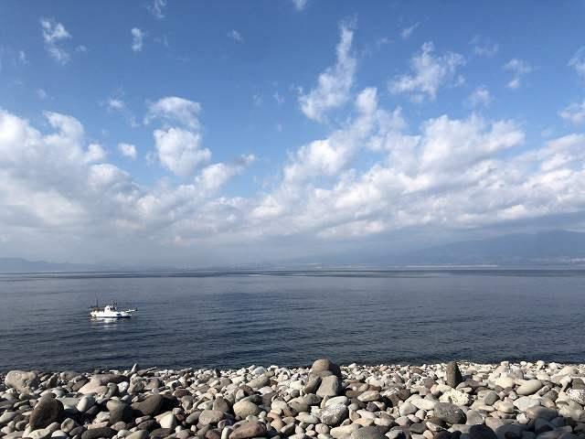 岬の西側の海3.jpg