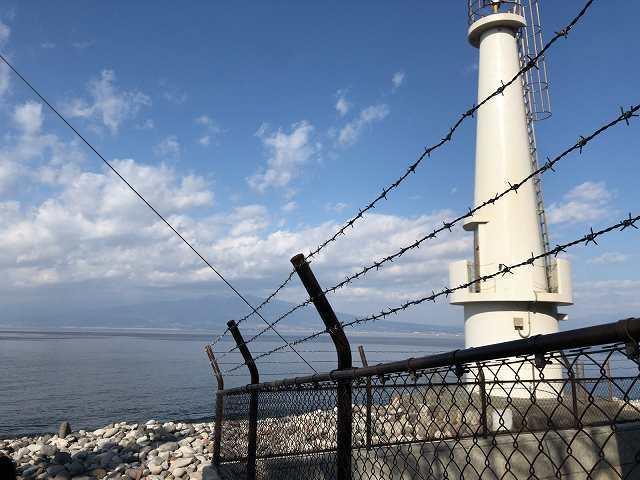 岬の西側の海5-1大瀬崎灯台2.jpg