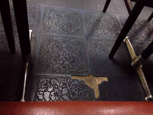 床タイル剥離.jpg