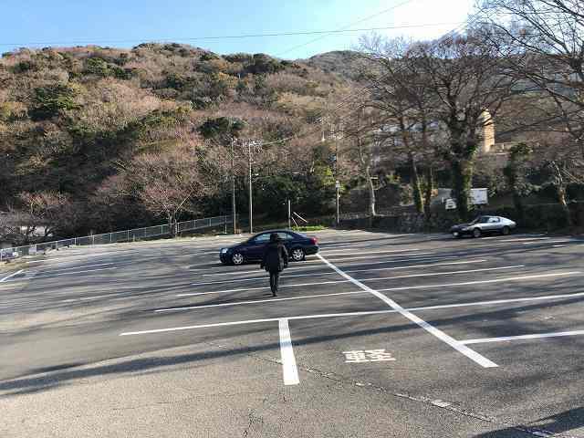 戻る4駐車場.jpg
