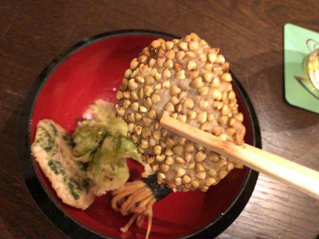 揚げ蕎麦6里芋に蕎麦実を塗したもの.jpg