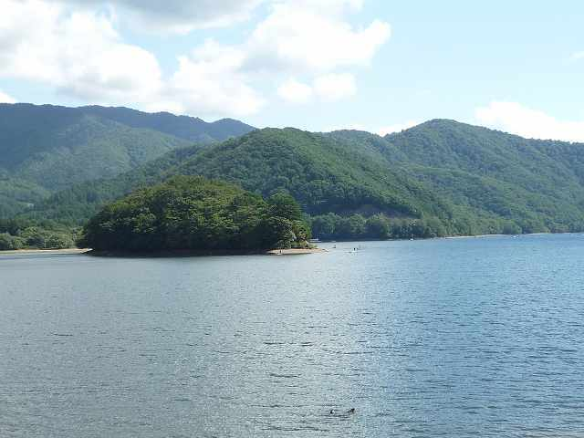 桧原湖4.jpg