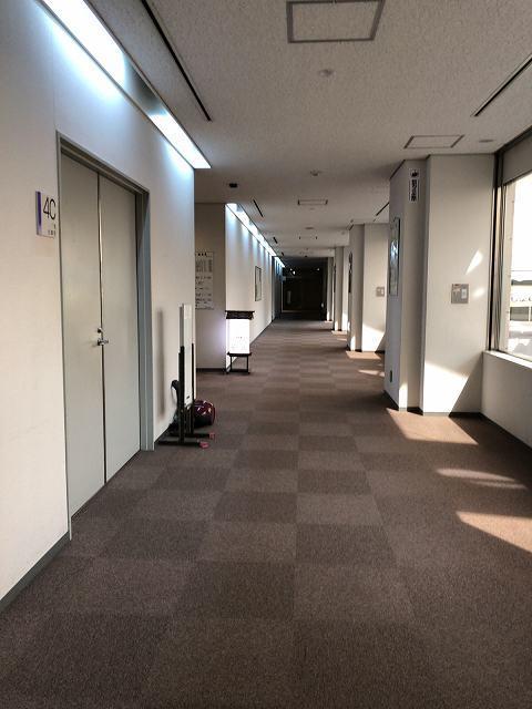 殺風景な廊下.jpg