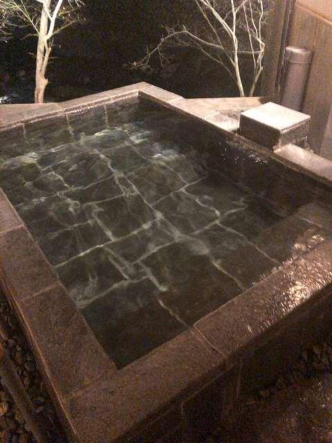 渓流の湯夜1.jpg