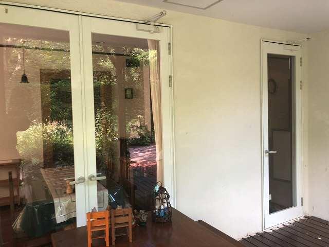 玄関は前に押し出した1.jpg