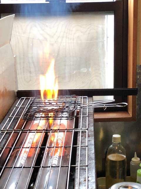 肉を焼く2.jpg