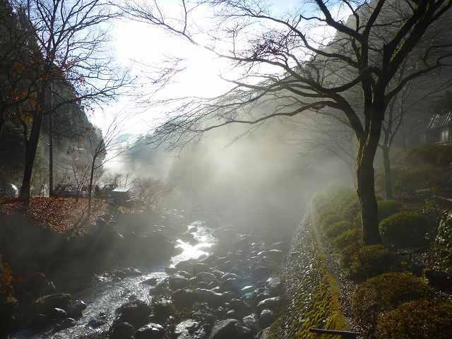 船山川と朝霧1.jpg