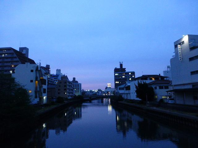 薄暮の和歌山1.jpg