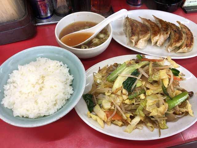 野菜炒め8餃子3スープ1.jpg