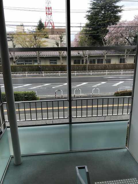 階段を上がる2.jpg