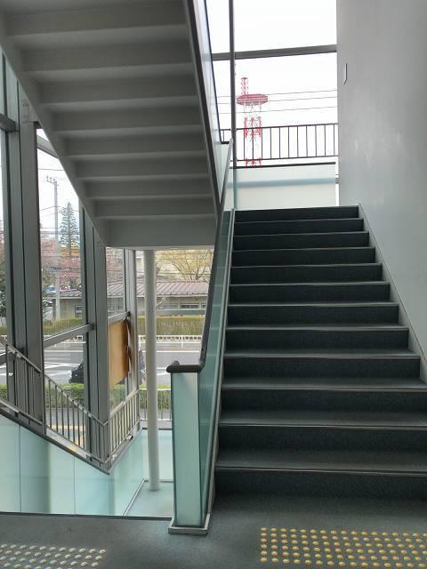 階段を上がる3.jpg