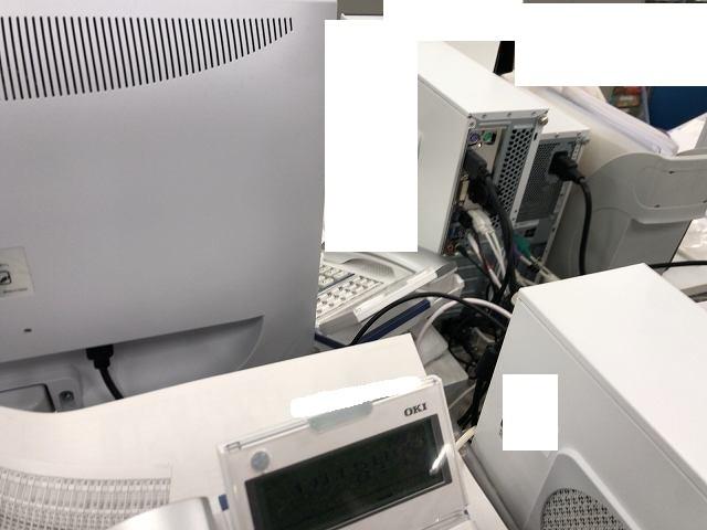 PCの背後.jpg